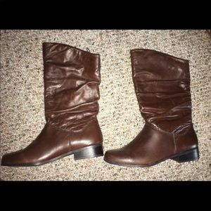 New St. John's Bay Leather Boots 6